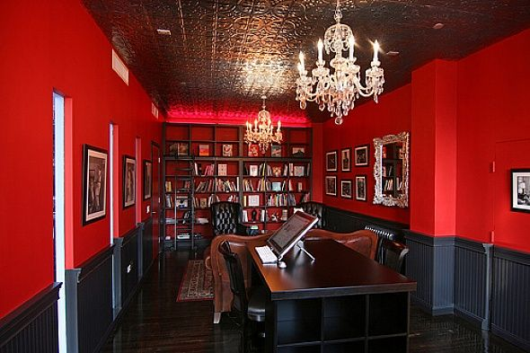 Perfect color choice for an office A stimulating red office