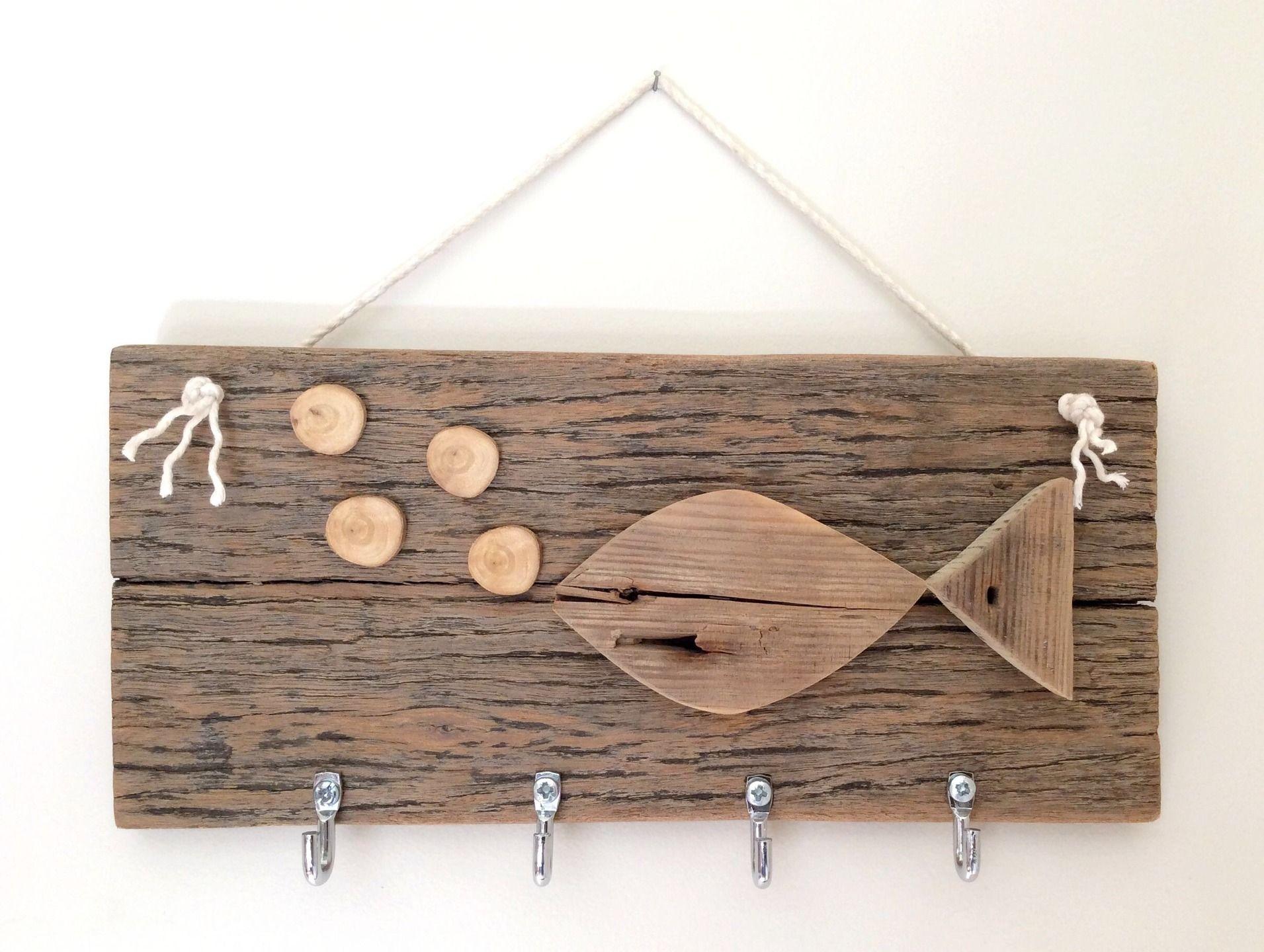 Support en bois flotté pour clés ou torchons par l'Atelier ...
