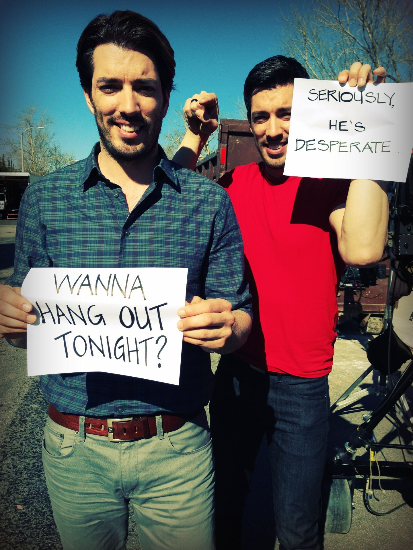 Jonathan and drew scott want to hang out with you every for Property brothers online episodes