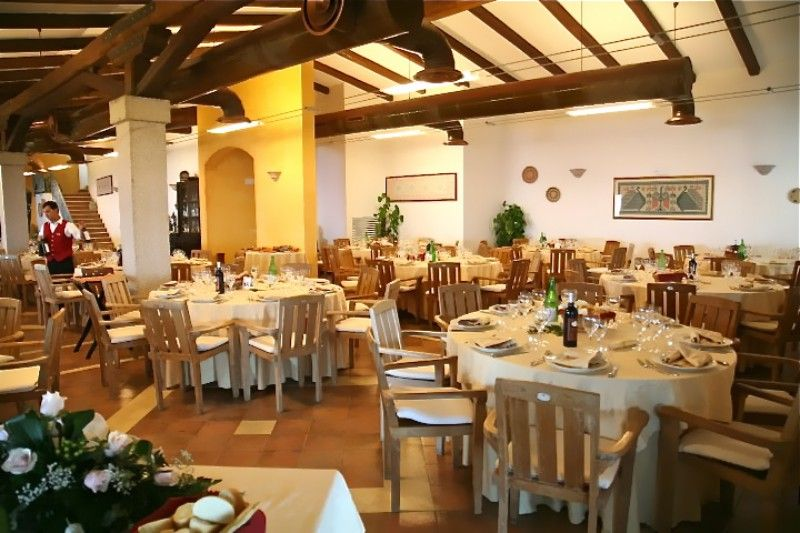Baga Baga Restaurant - Castelsardo (SS), Sardinia - Italy http://www.hotelsinsardinia.org/gastronomy/restaurants/sea-view/