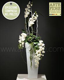 Fiori Bianchi Finti.Composizione Di Fiori Artificiali In Tessuto Orchidee E Piante