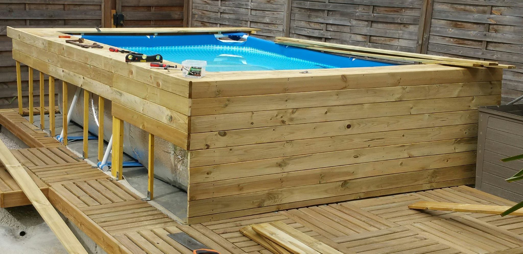Pingl par pitch38 sur piscine en 2019 habillage - Piscine rectangulaire hors sol intex ...