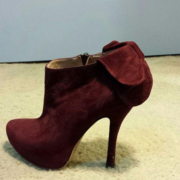 eb6f9134d Burgundy closed toe heels Slightly used