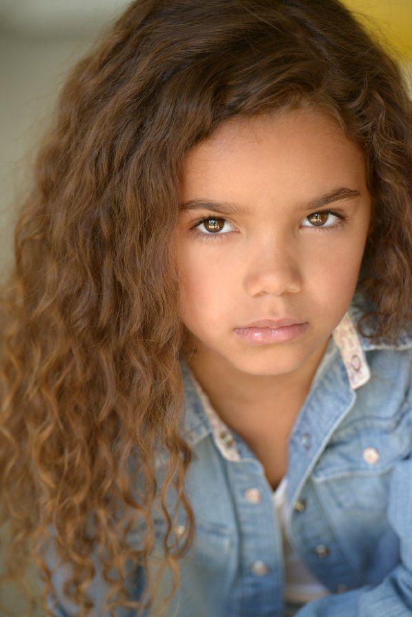 "McKenna Roberts plays Terra in ""Extant"" s2, 2015"