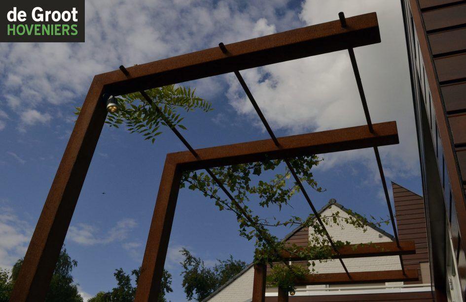 Hous pergola corten staal blauwe regen moderne tuin pergolas