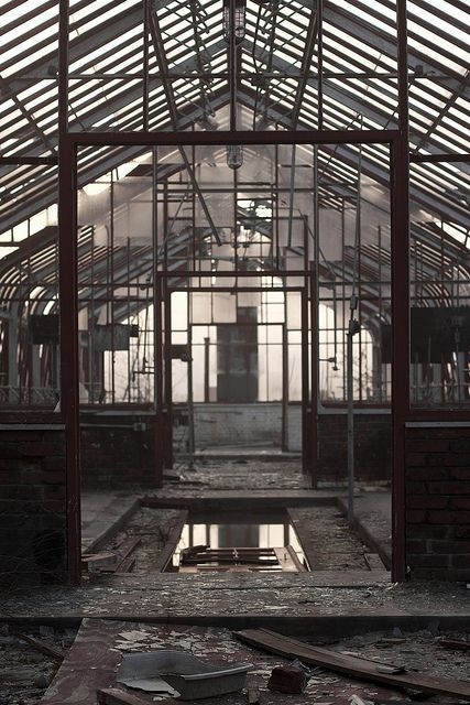 Pin By Toto Oz On Beautiful Decay Pinterest Industriel