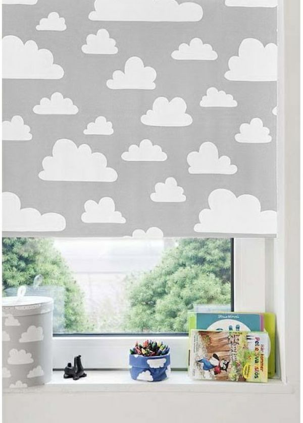 verdunkelungsrollo kinderzimmer jalousien graue wolken kleiner schatz pinterest kidsroom. Black Bedroom Furniture Sets. Home Design Ideas