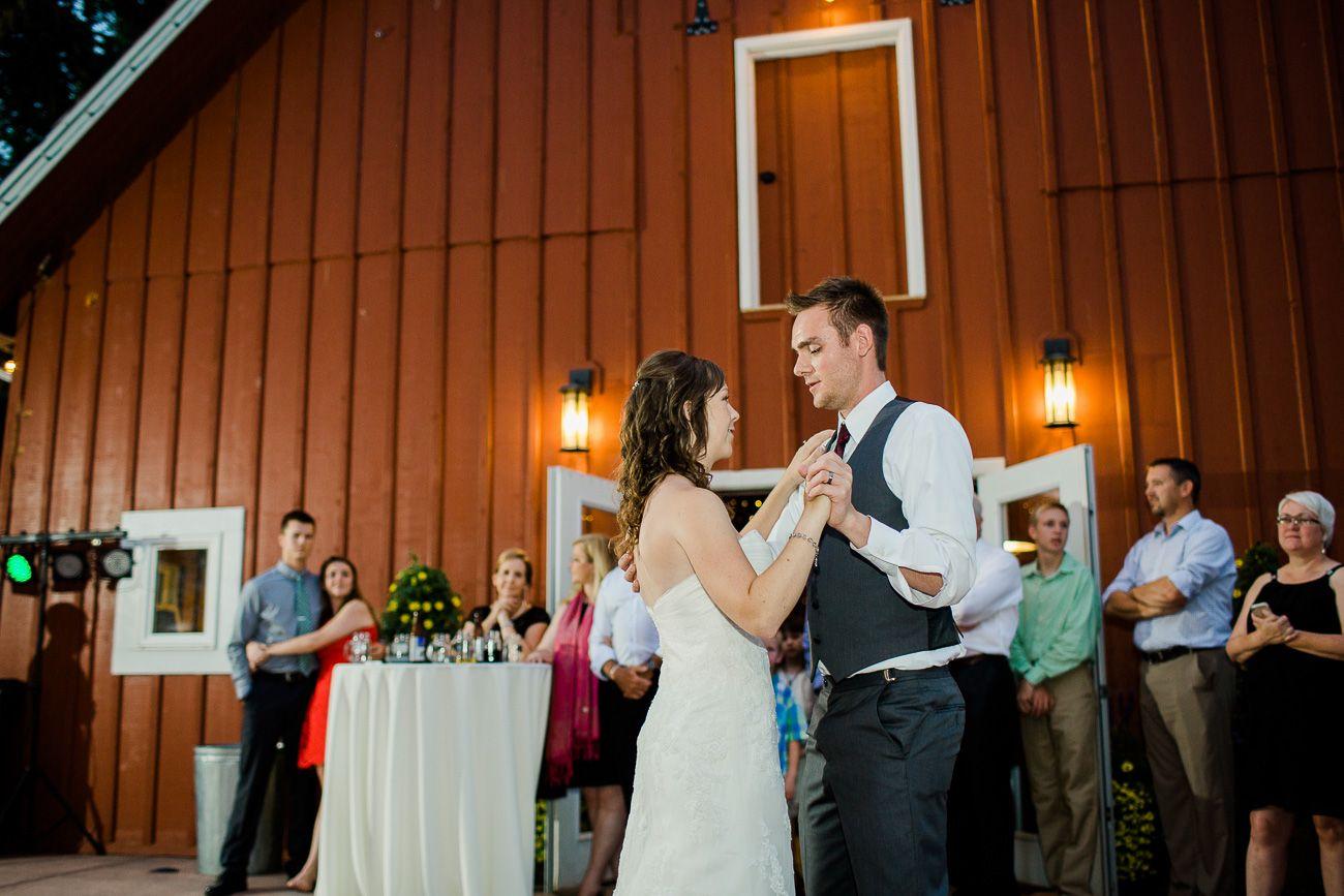 ef6b82153109cb17b8086c975f35af5c - Denver Botanic Gardens Chatfield Farms Wedding