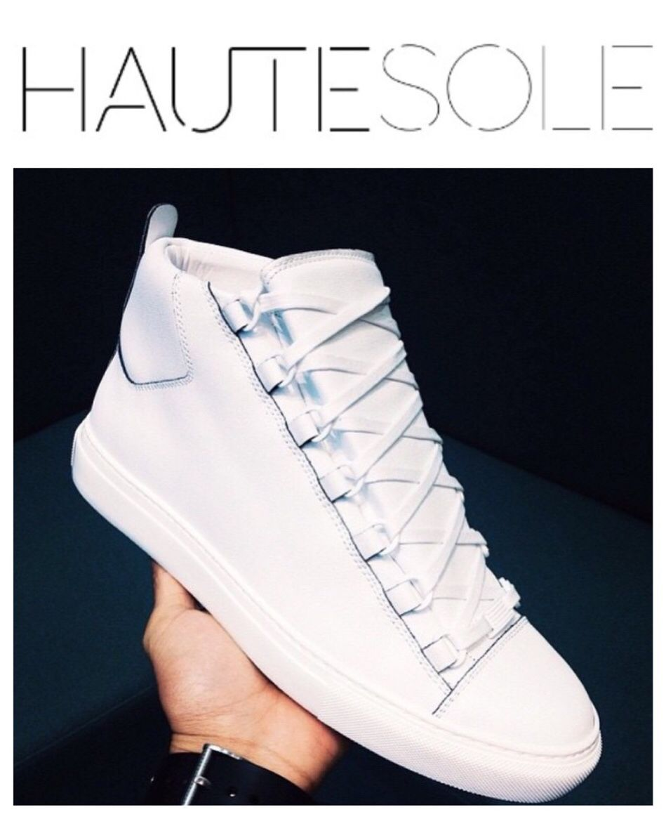 WHITE LUXURY SNEAKERS ON DECK  ✨✨✨✨✨✨✨✨✨✨✨✨✨✨✨ #balenciaga #HAUTESOLEMAGAZINE #HAUTESOLE #Fashion #Footwear #Shoes #style #stylish #sneakers #design #Stylist #instagood #designer #Fashiondesigner #FashionStylist #WardrobeStylist #CelebrityWardrobeStylist #Fashionista #StreetStyle #FashionWeek #PFW #NYFW #luxury #fashionista #fashionblogger #magazine #DREAMFEARLESSLY #SS15 #FA15