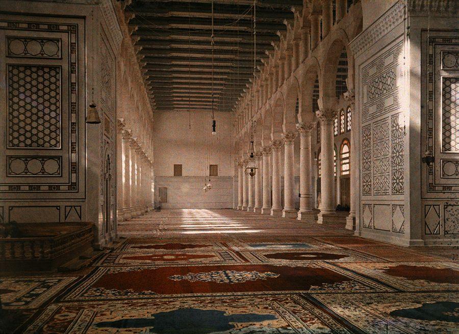 Uma mesquita tranquila na Palestina, 1926.Photograph por Jules Gervais Courtellemont, National Geographic Criativo