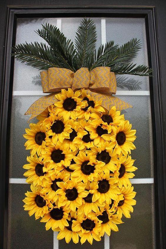 foto de 30 Stunning Summer Wreaths Diy wreath Wreath crafts