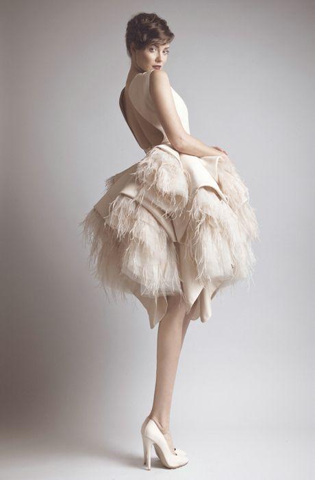 feather dress - Cerca con Google
