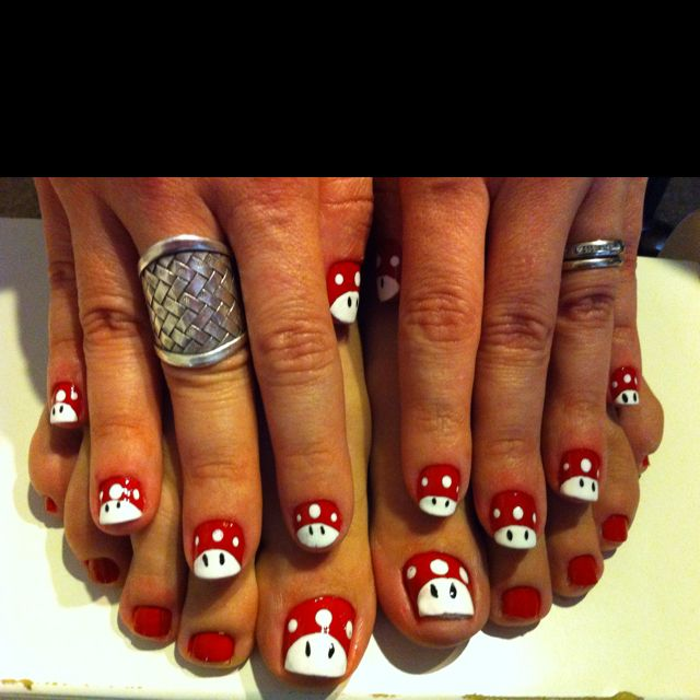 "Toad """"Mário bros"""" nail art"