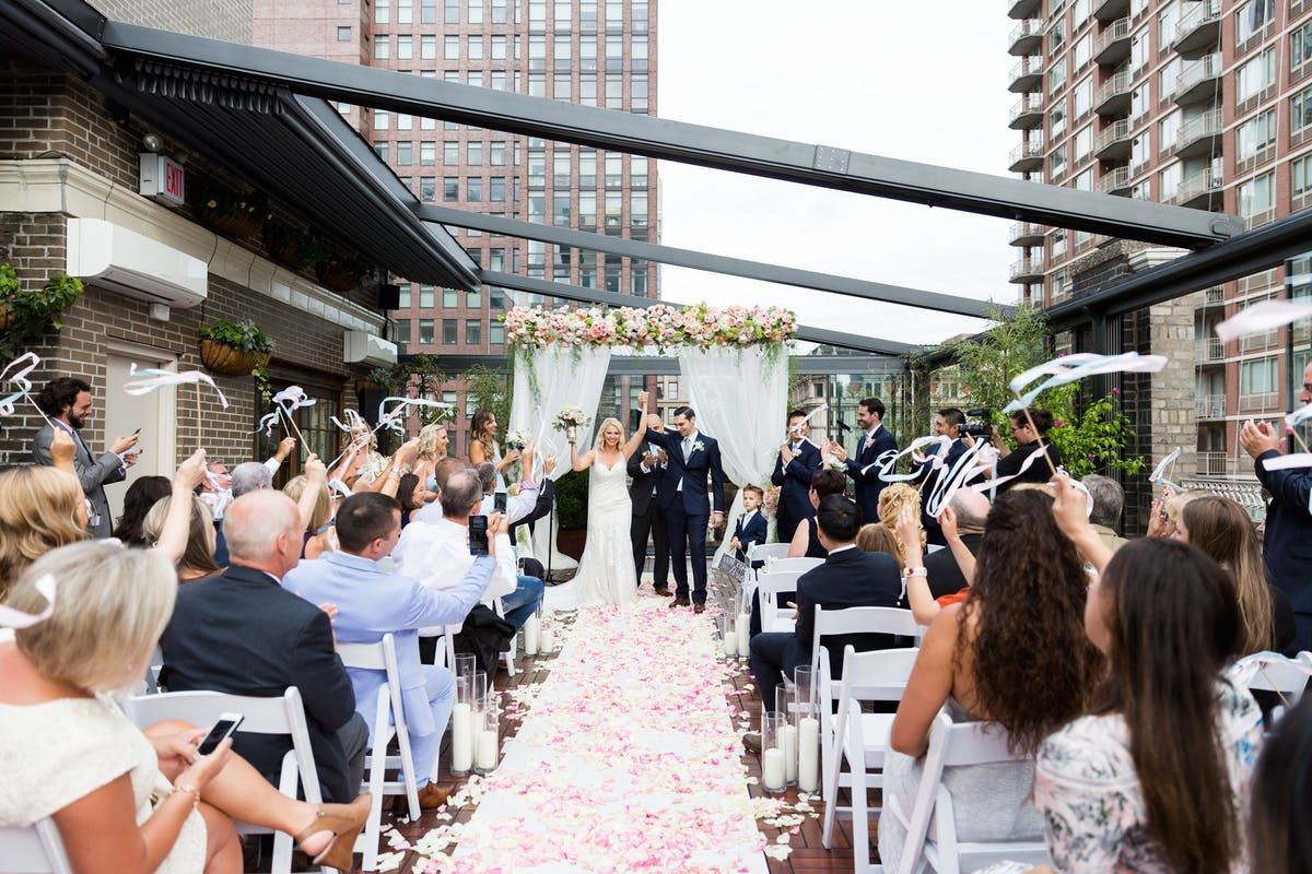 8 Affordable Manhattan Nyc Wedding Venues Get Prices In 2020 Nyc Wedding Venues Nyc Wedding Manhattan Wedding