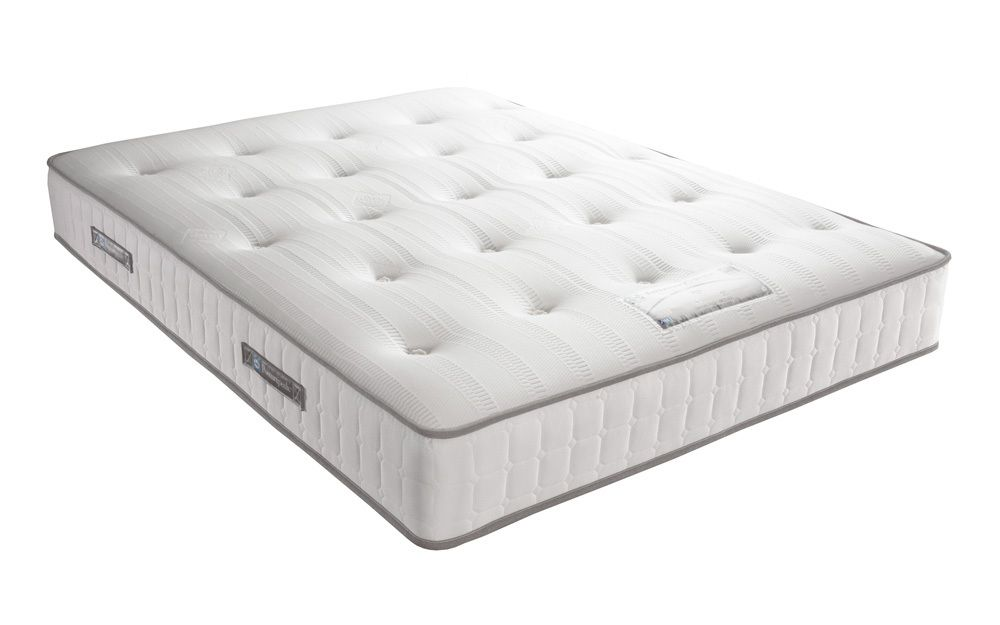 Orthopaedic and featuring memory foam, the Sealy Posturepedic ...