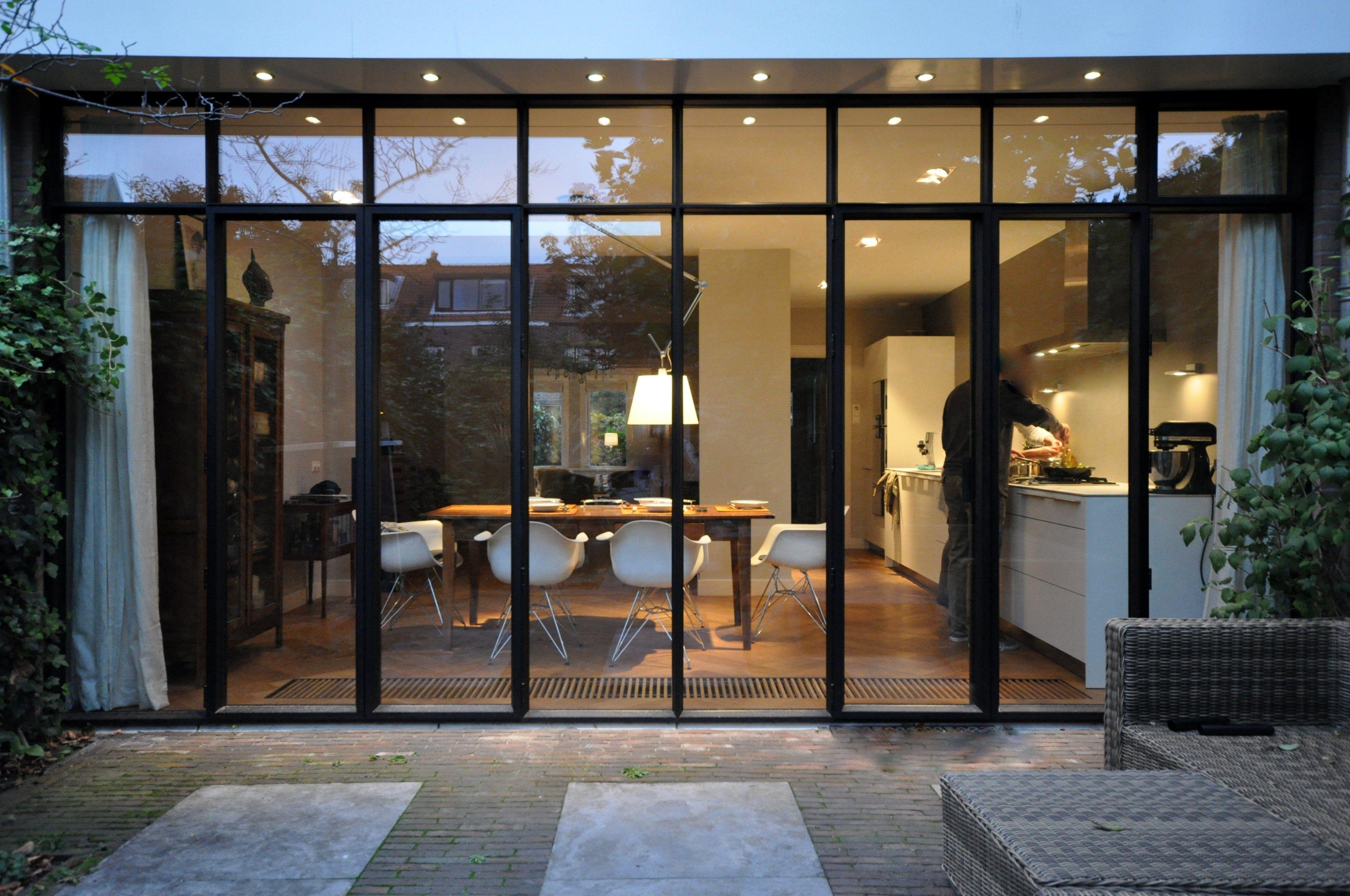 Modern Interieur Herenhuis : Frank weil jaren herenhuis aanbouw zwart aluminium pui