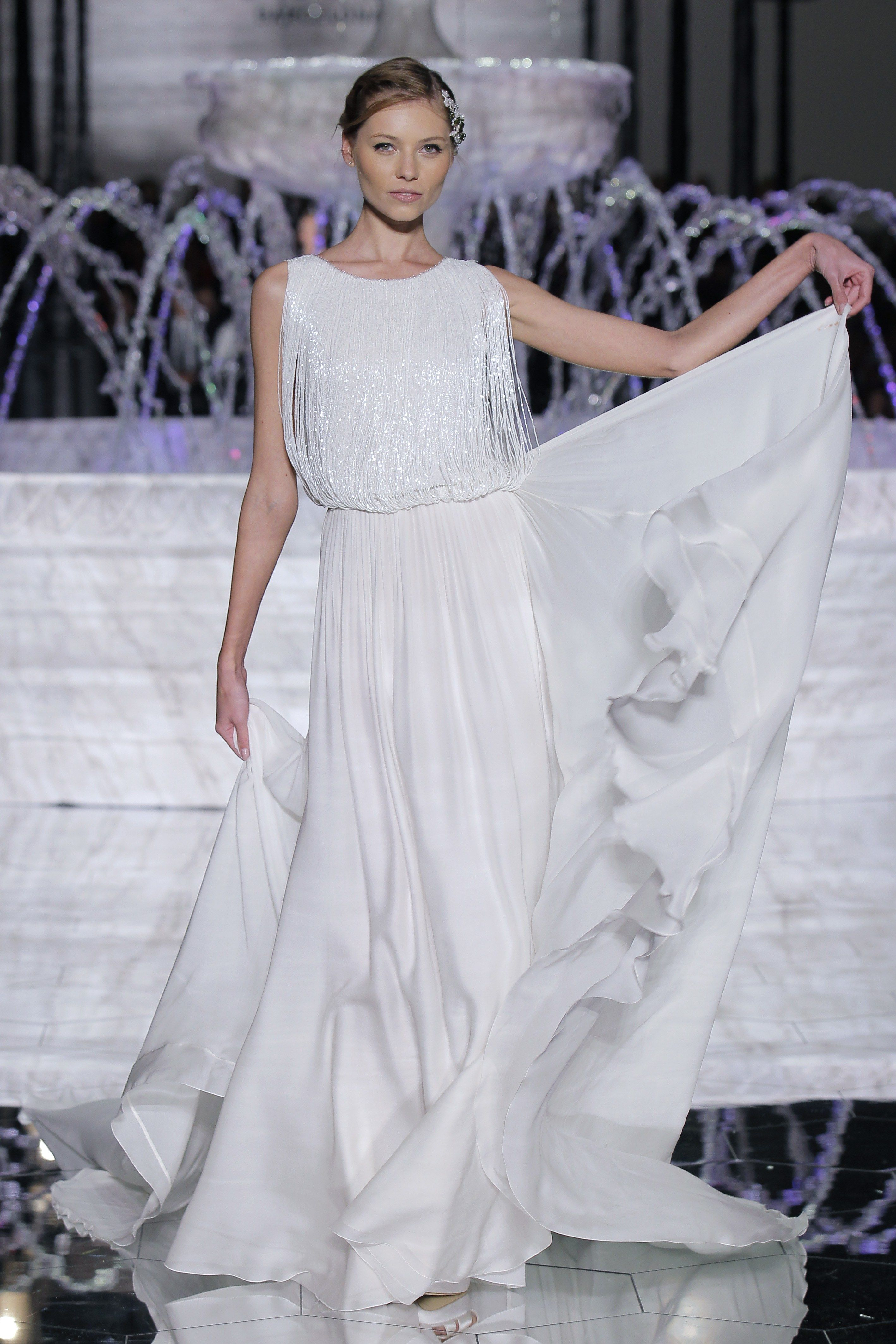 Great gatsby inspired wedding dresses   Roaring s Great Gatsby Inspired Wedding Dresses  Brides