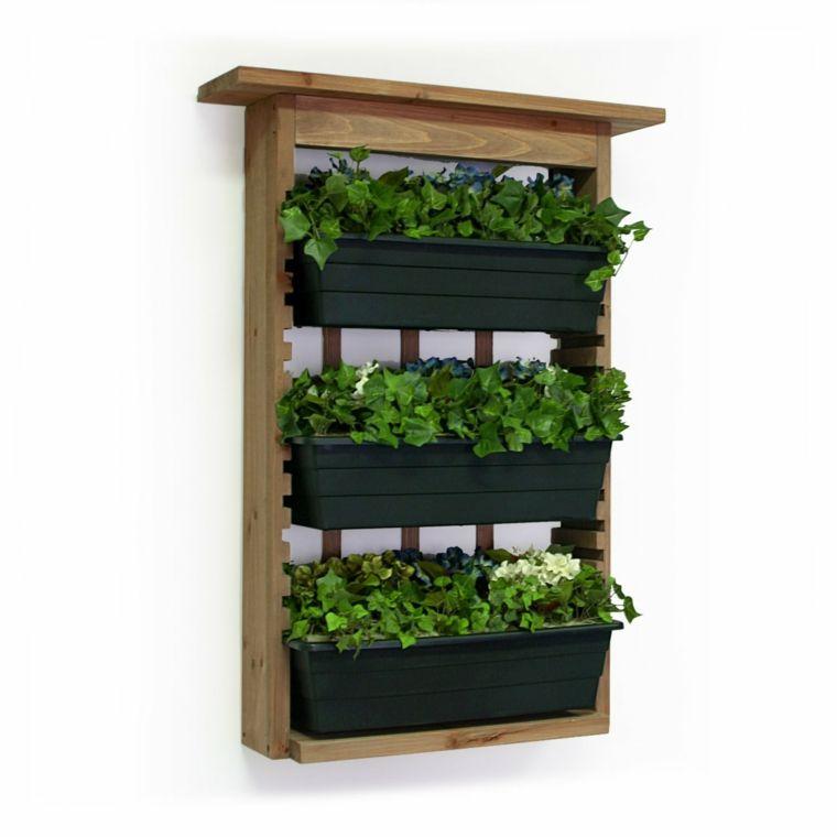 jardinera vertical con marco de madera