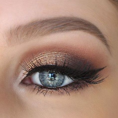22 Glamorous Golden Bronze Makeup Examples #make-upideen