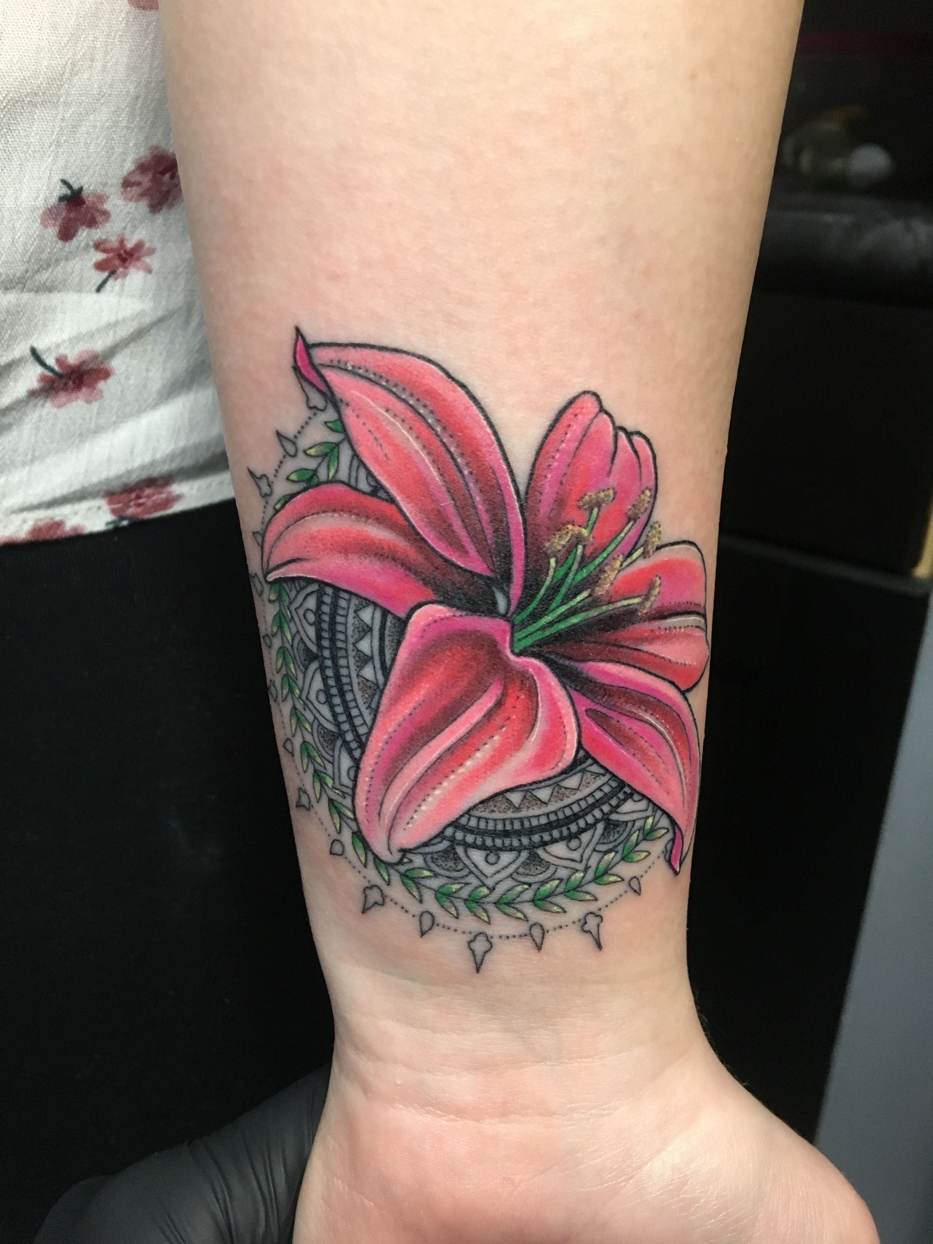 Lily Flower Tattoo Lily Tattoo Pink Tattoos Pinterest Lily