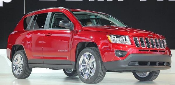 The 2017 Jeep Compass Hitting The Barrier In The Frontal Offset