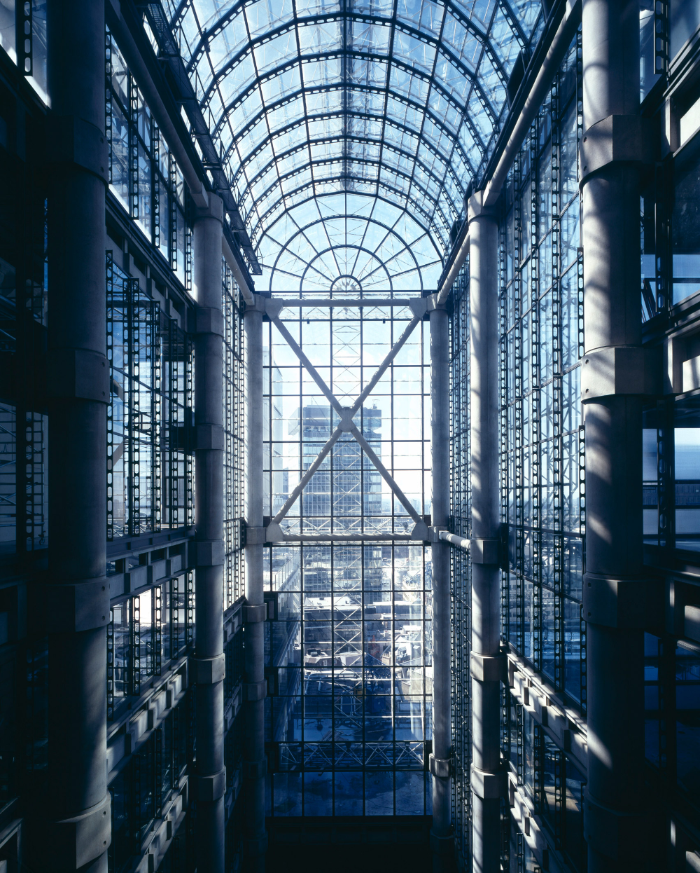 Lloyd's building is Richard Rogers' first hightech office