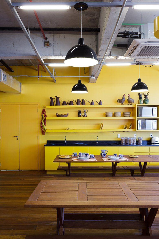 Walmart.com Office, São Paulo, 2013 - Estudio Guto Requena #yellow #interiors