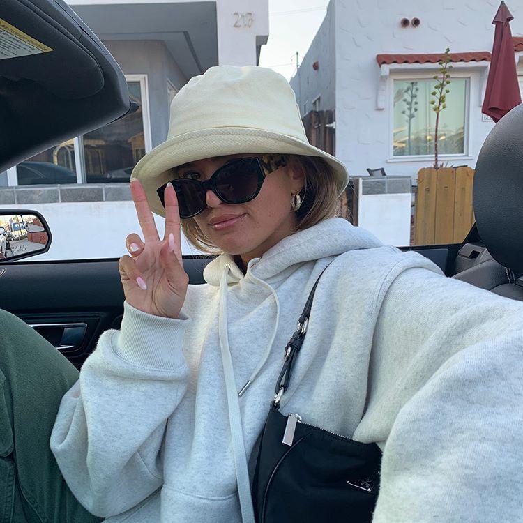 """Photo of MATILDA DJERF auf Instagram: """"Okay, ich würde jetzt alles tun, um Cinnamon Toast Crunch und einen Bagel mit Schlagsahne zu essen."""""""