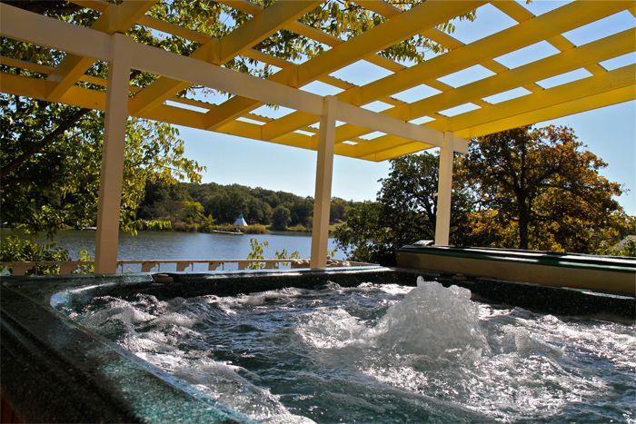 Premier Lake Property Oklahoma Cabin Rentals   Lakefront Safari Retreat  Amenities