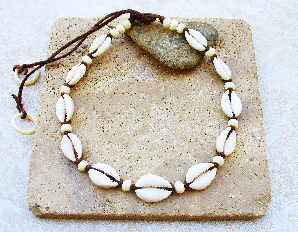 6ac9961e00bc4 Cowrie Shell Necklace/Choker with Beige/Taupe Shiny/Polished Cowrie ...