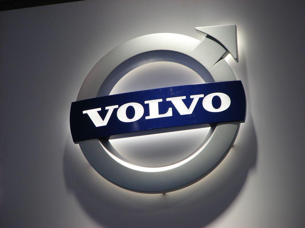 обои с логотипом volvo
