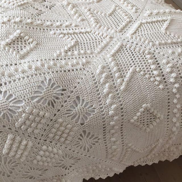 hæklet sengetæppe Hæklet sengetæppe MARSEILLE (Karen Klarbæks verden) | Crochet  hæklet sengetæppe