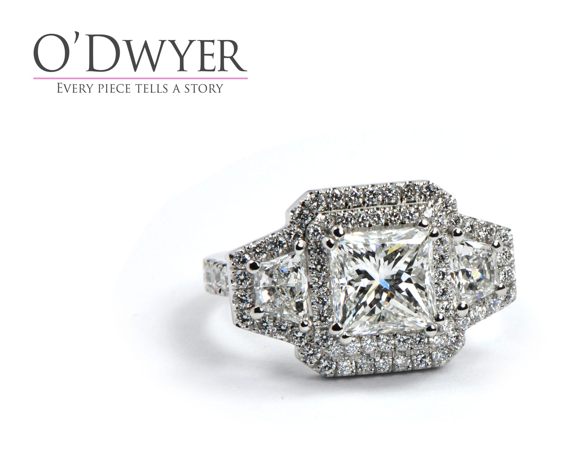 Unique Ring 18ct White Gold ring full of diamonds. Förlovningsring Vigselring