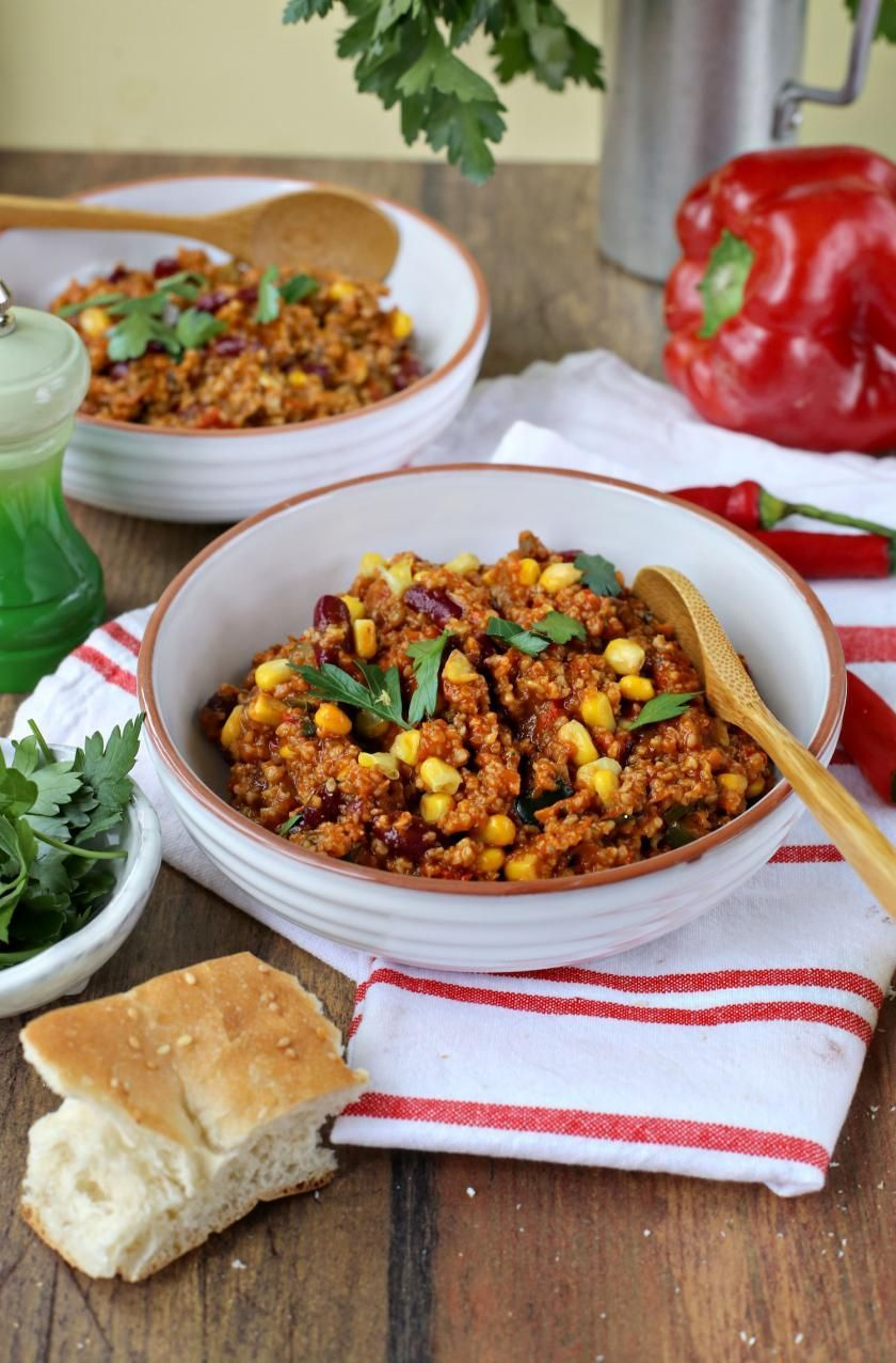 Chili sin carne with green core  Chili sin carne with green core Simply Yummy recipes