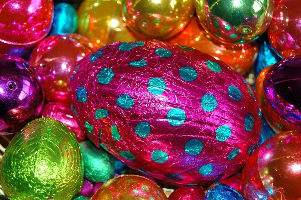 Eggs, eggs, eggs. by Sally Dunn