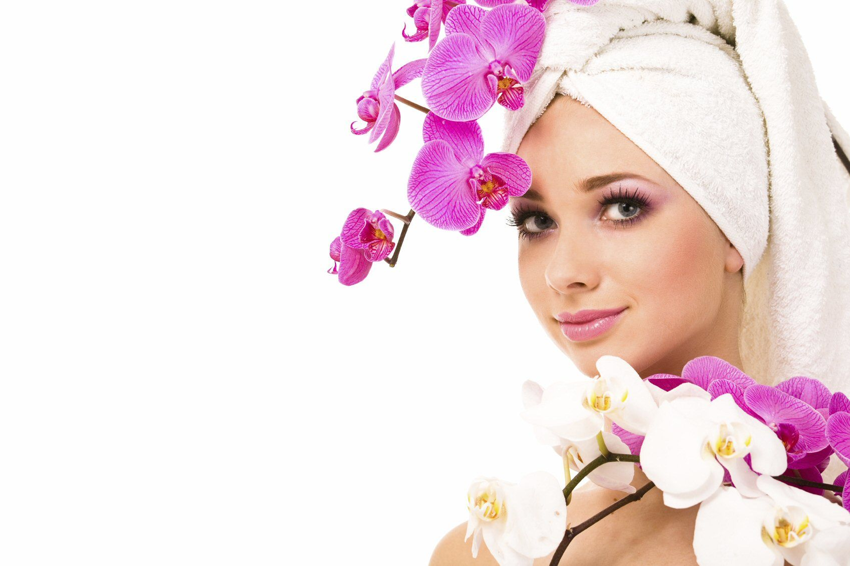 Royal Day Spa - Does Princess, Diva, and Oriental makeover parties or spa days for little girls!