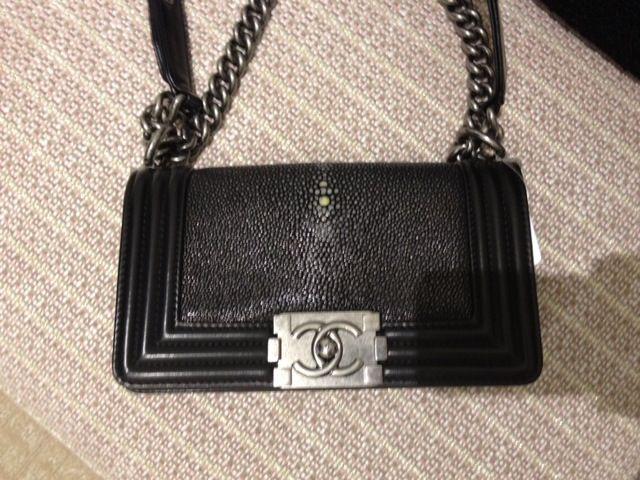 ce13ad3431e065 Chanel Boy Stingray Black | OH MY BOY ! | Chanel, Chanel boy bag ...