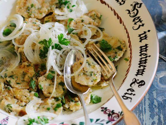 Bayerischer Knödelsalat   Rezept   Gesund kochen mit EAT ...
