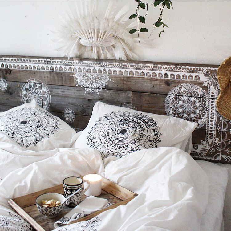 Iolandapujol Skovbon How Incredibly Beautiful Stencilled Headboard With Matching Linen L Bed Linens Luxury Contemporary Bed Linen Boho Headboard