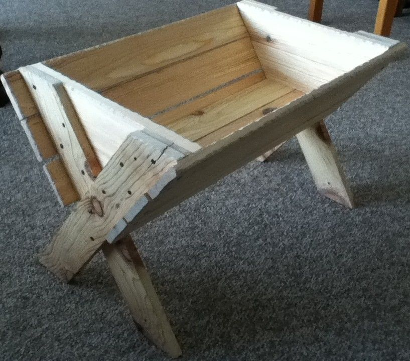 exceptional life size nativity scene patterns #5: Rustic manger for a life-size Nativity scene.