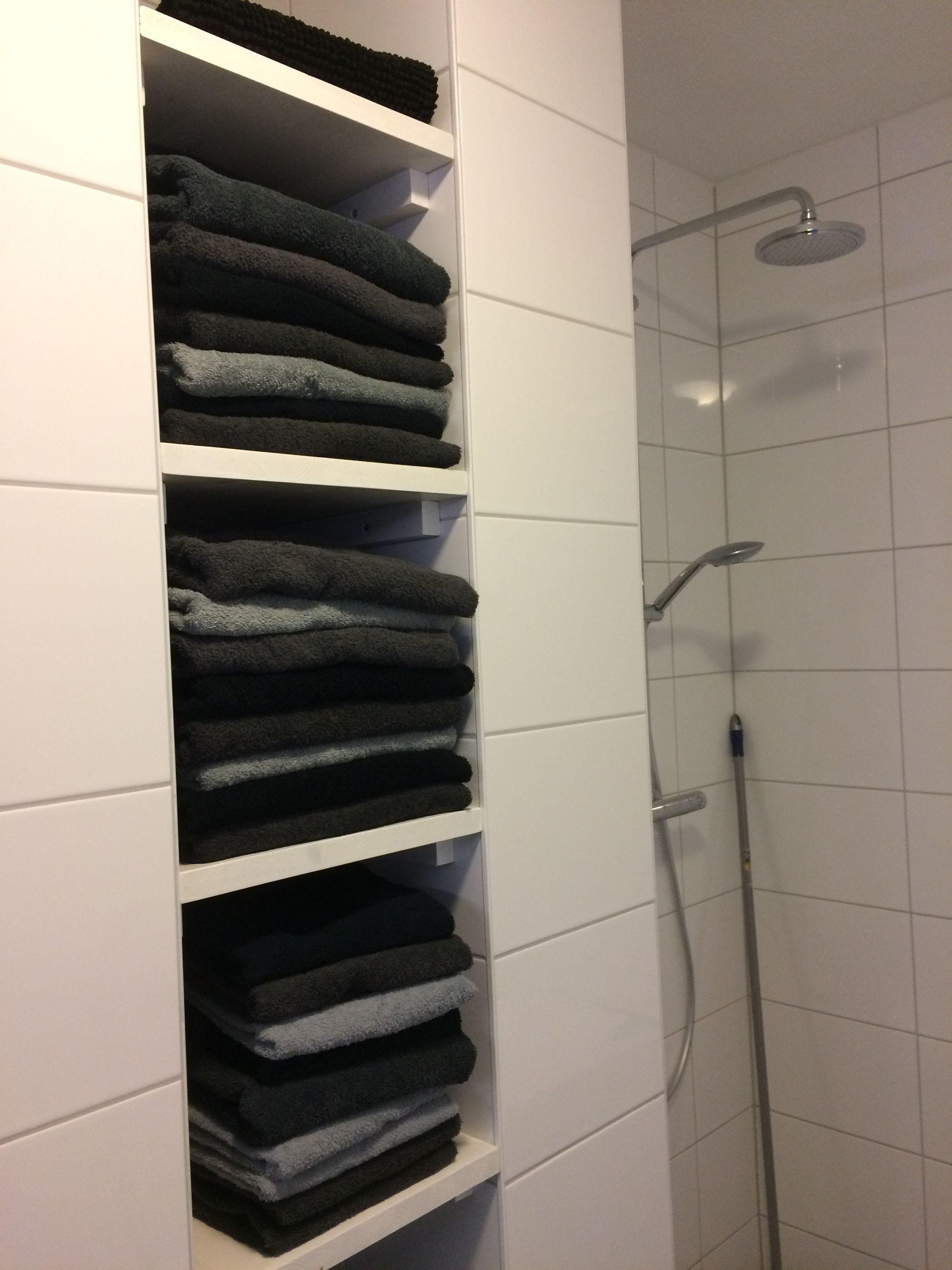 badkamer moderne badkamer nissen voor handdoeken nis zwart wit