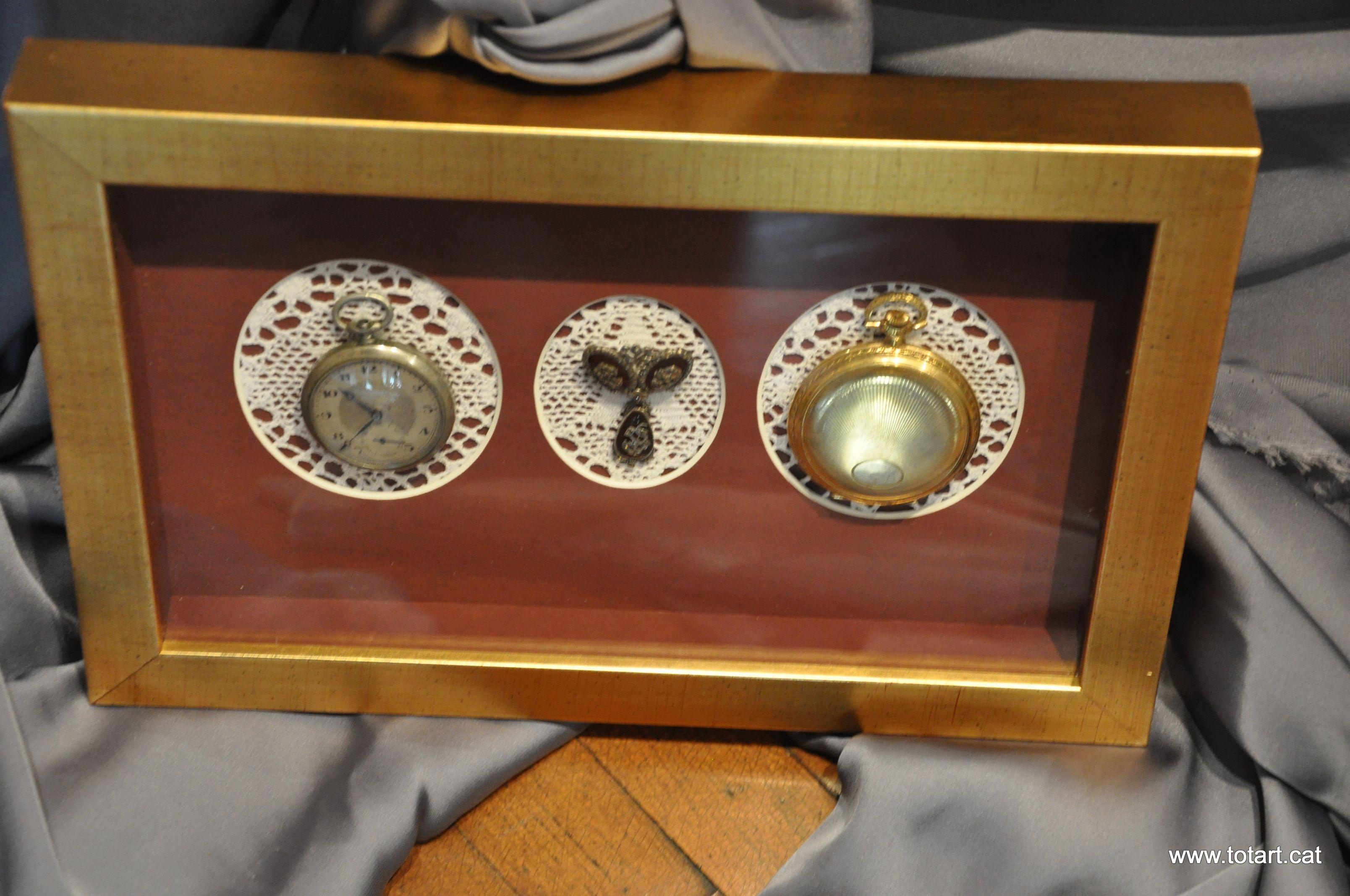 Marco para relojes.Enmarcar unos Relojes del abuelo ? Una gran idea ...