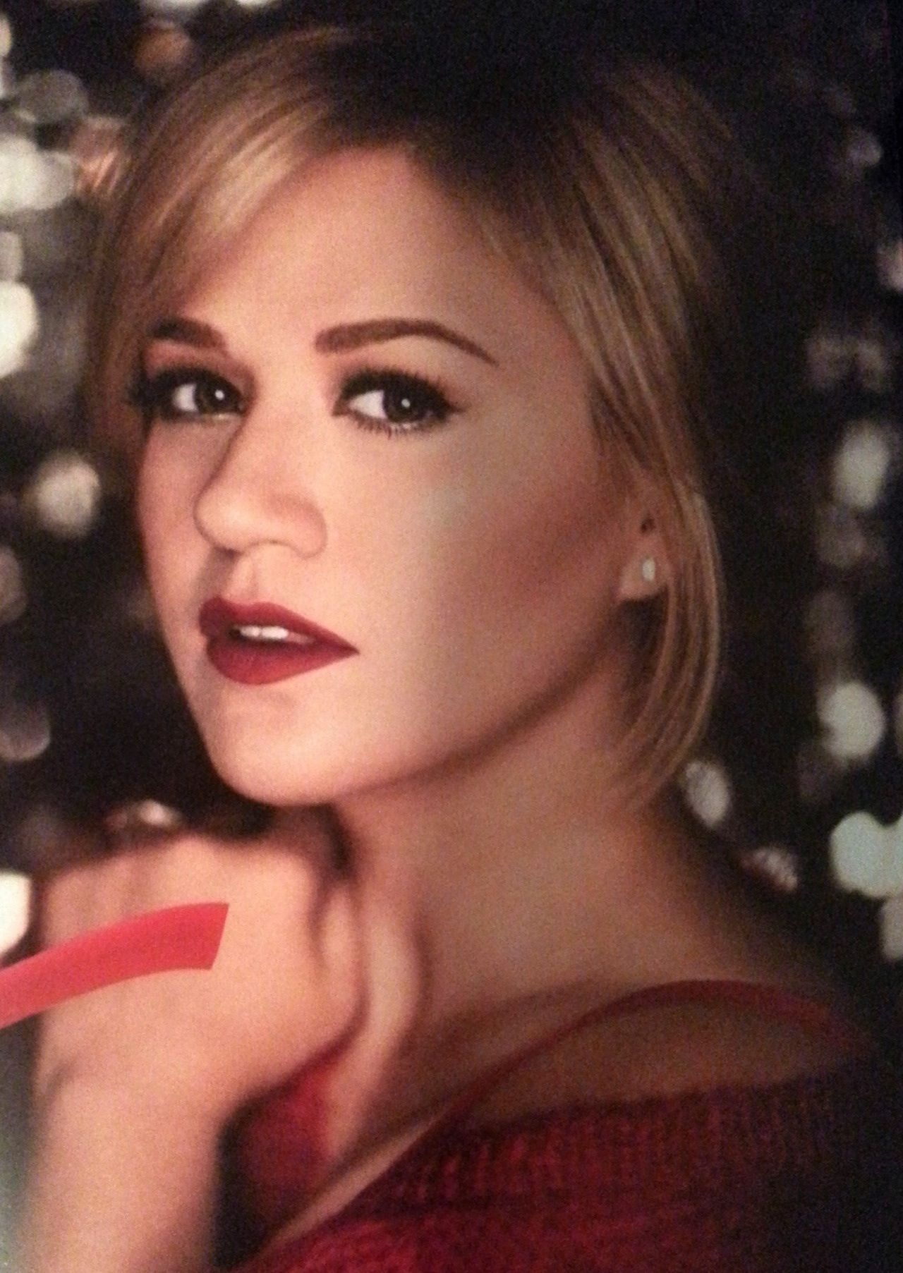 Kelly for Wrapped in Red shoot | Kelly Clarkson | Pinterest | Kelly ...