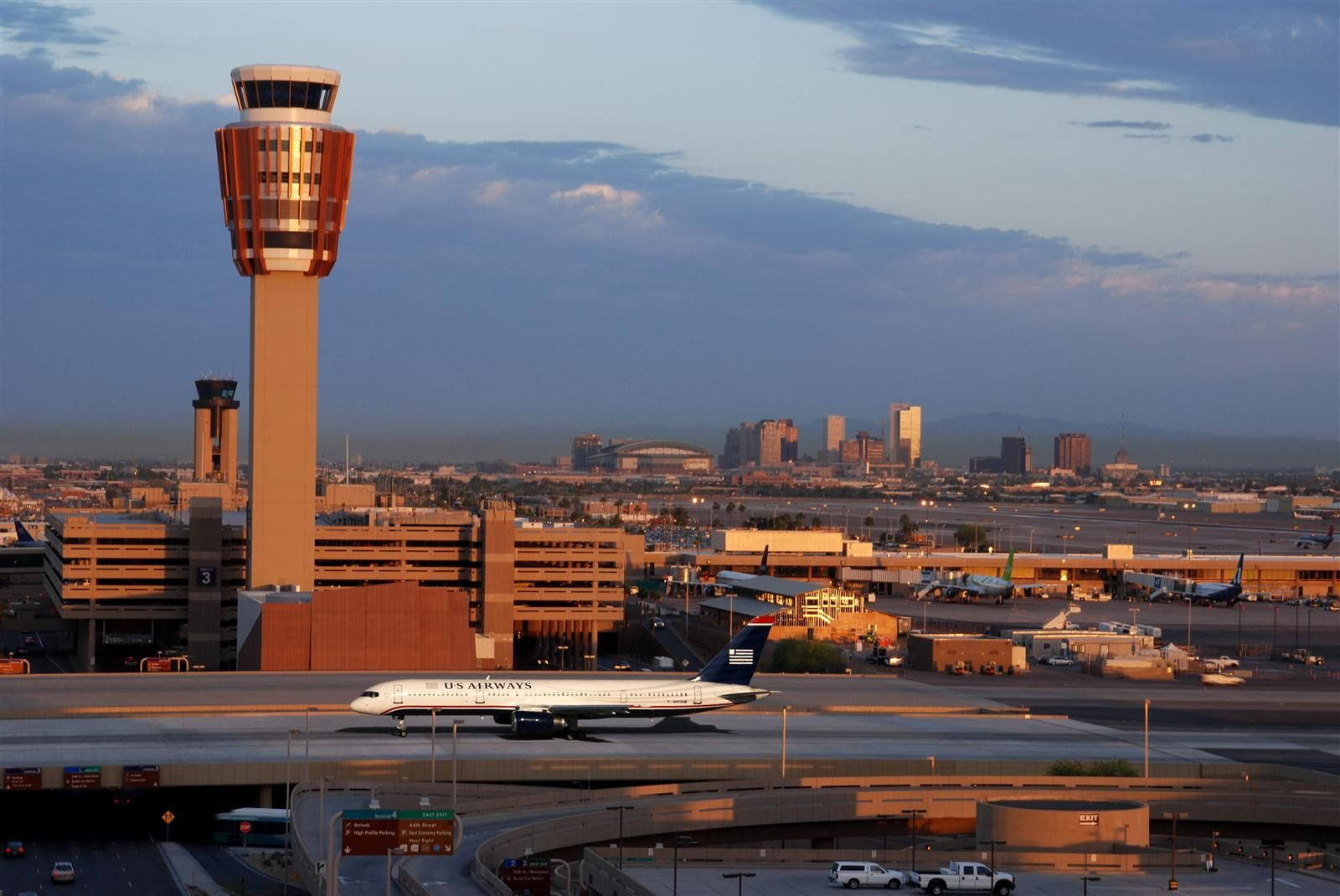 Awesome work by HDR,Inc. Sky Harbor Taxiway Sierra