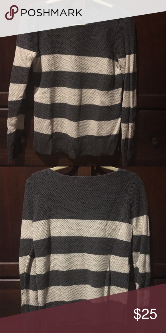 Gap Gray and Cream Knit Sweater Add this Timeless Staple from Gap to your Wardrobe. Hits Below the Waist. GAP Sweaters Crew & Scoop Necks