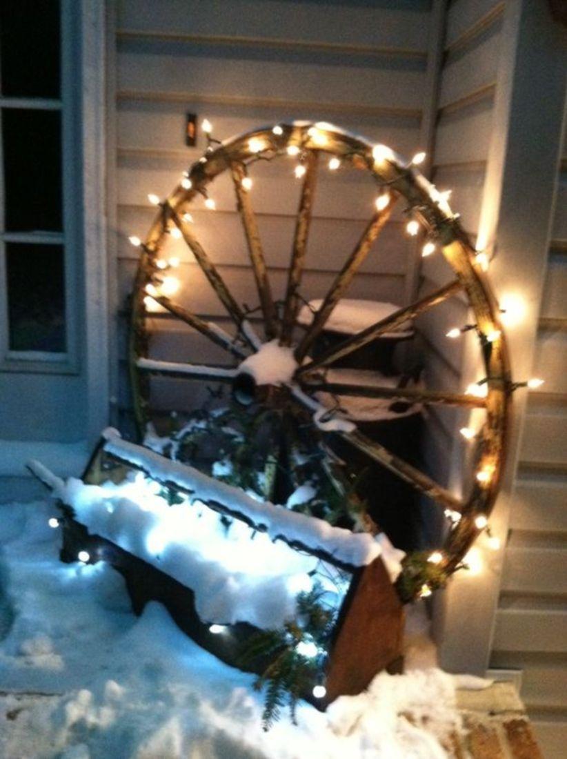 41 Wagon Wheel Farmhouse Style Wreath Ideas | Wagon wheel ...