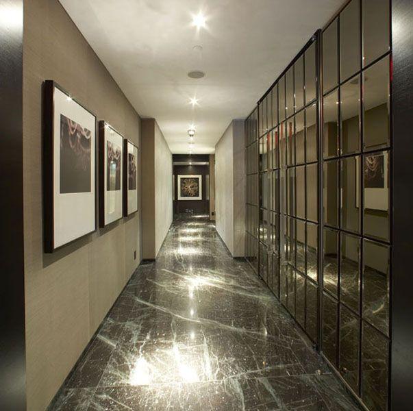 Reflective corridor aza hotel corridor corridor for Hotel corridor decor