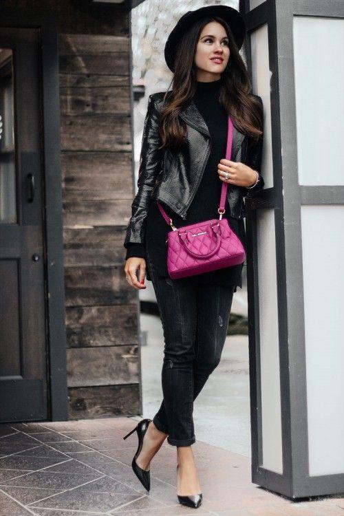 Девушка в черных джинсах и шляпе