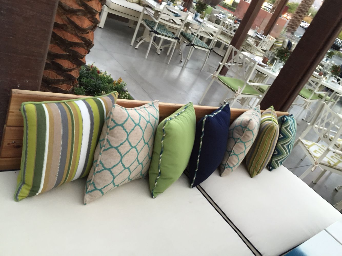 Mixing Patterns and colors | Blues & Greens | Outdoor Living