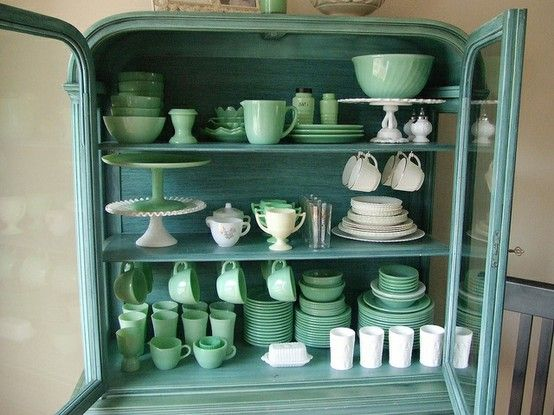 Milk glass and jadeite in an adorable hutch. Do you hear the pitter-patter of my heart?